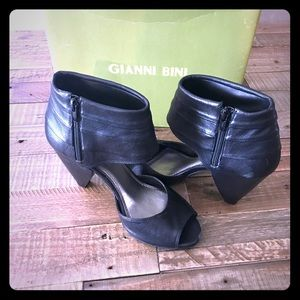 Gianni Bini Ankle Wrapped Heels 8.5